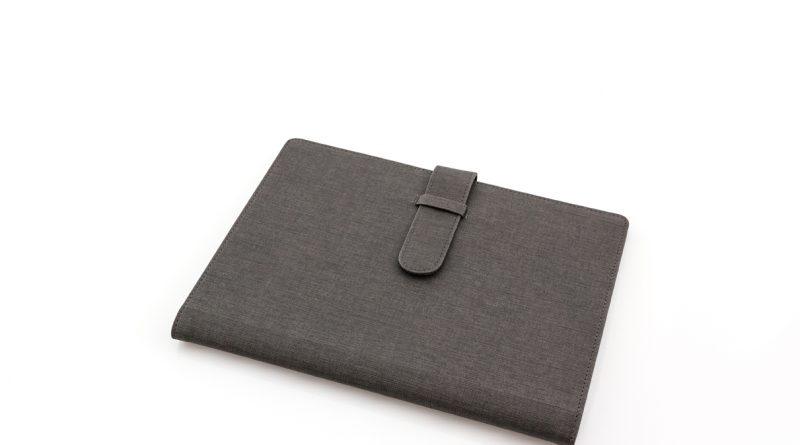 Undgå skrammer med et sleeve til din Macbook Air 13
