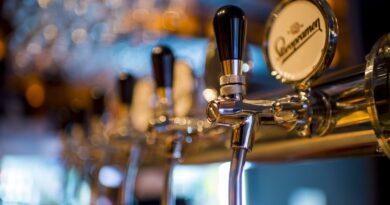 øl-dispensere på række